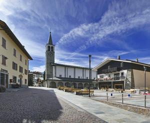 La bella piazza di Madesimo