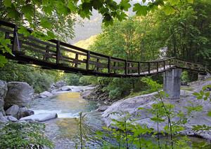 Ponte pensile sul torrente Ayasse