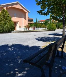 """""""Stanchi? Ecco un posto all'ombra"""" – Piazza S.Giuseppe – Rocca D'Evandro (CE)"""