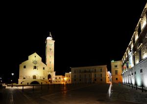 Trani – Piazza Duomo di notte