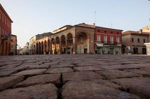 Piazza Martiri e Portico del Grano