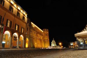 Il gioiello del Masini al centro di Piazza del Popolo