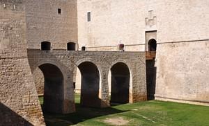 Ponte d'accesso al Castello barlettano