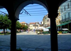 la piazza più bella del lago d'Orta
