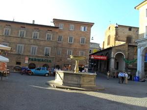 Piazza a Urbino