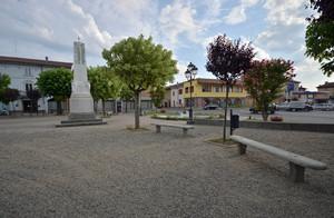 Una piazza in ghiaia