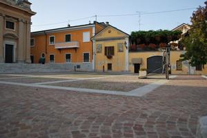 Piazza Pietro Delucca
