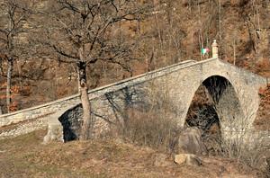 Cadignano, il ponte gobbo