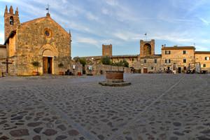 La Grande piazza di Monteriggioni