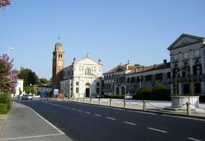 Visuale su Villa Widmann e chiesa di San Michele