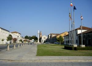 Dal municipio alla chiesa