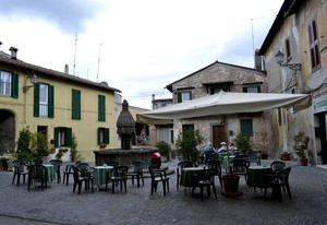Sutri, Piazza Cavour