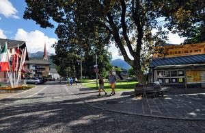 Piazza Floriani a Valdaora di Mezzo