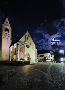 il piazzale illuminato dalla luna della mia Amata Valdaora