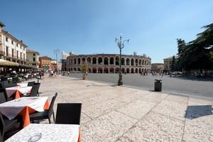 A pranzo in Piazza Bra