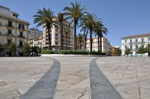 Piazza Maria Immacolata e i suoi giochi sulla pavimentazione