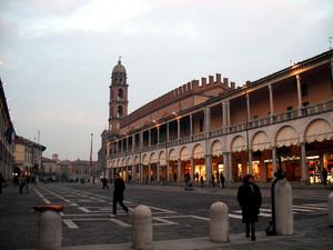 Anche qui una Piazza del Popolo