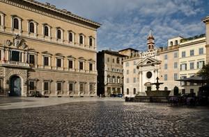 Piazza Farnese