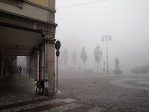 I portici…la vedova…la piazza…la nebbia…