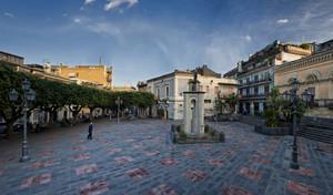 Tramonto ottobrino in Piazza Dante Alighieri