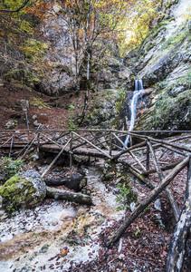 il ponte della camosciara