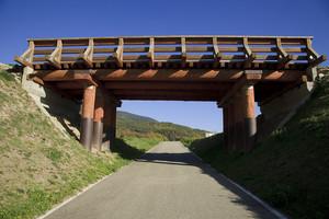 Di fronte al ponte