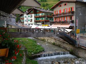 il ponte di legno alla fine della Val Duron