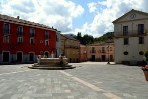 """""""No cavi,no segnali…no auto!""""  – Piazza Nerazio Prisco – Sepino (Campobasso)"""