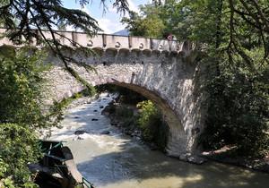 a Merano tutti a fotografare il Ponte Antico