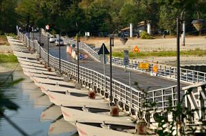 Ponte di barche sul ticino