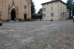 Piazzale Madonnina,antistante alla chiesa Parrocchiale