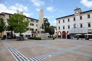 la piazza di Arnolfo