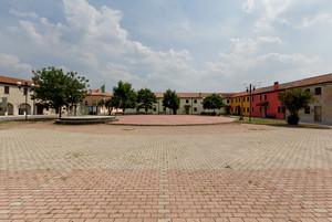 I colori di piazza Dante