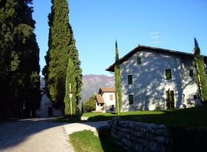Piazzale del Castello – fraz. Castel d'Aviano (PN)