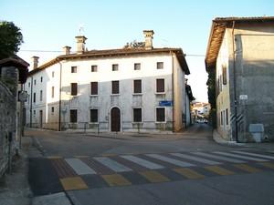 Piazzetta Marcolini – fraz. Castel d' Aviano (PN)