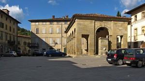 Una piazza di Castel San Niccolò