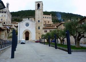 la Chiesa di Don Matteo. :-)