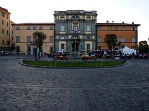 la piazza di Bracciano
