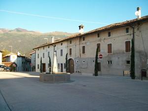 Piazza  Diaz – fraz. Castel d'Aviano (PN)
