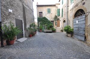 Piazza Padella, Farnese