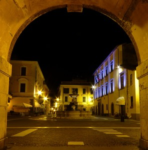 Arco by night
