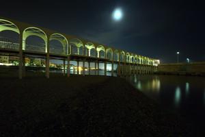 Il ponte dalle luci tenui