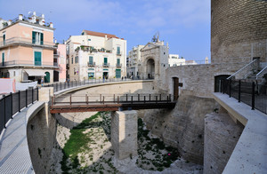 Ponte in Piazza Cavour