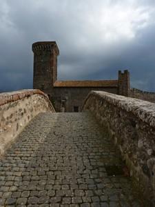 Salita al castello burrascoso