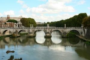 Ponte Sant'Angelo nello specchio