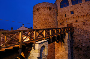 Ponte al Castello Angioino