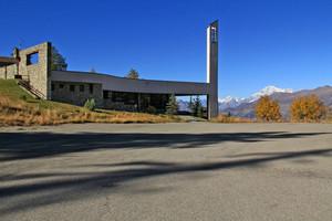 Una chiesa nuova e la sua piazza