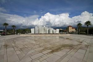 Piazza marmorea