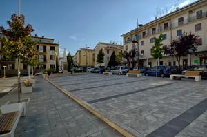 Piazza Mazzini dedicata ai Caduti