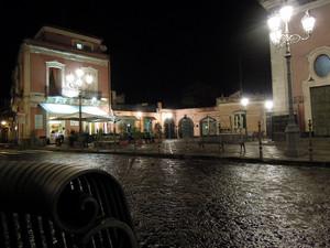 """Piazza Umberto I """" di notte"""""""